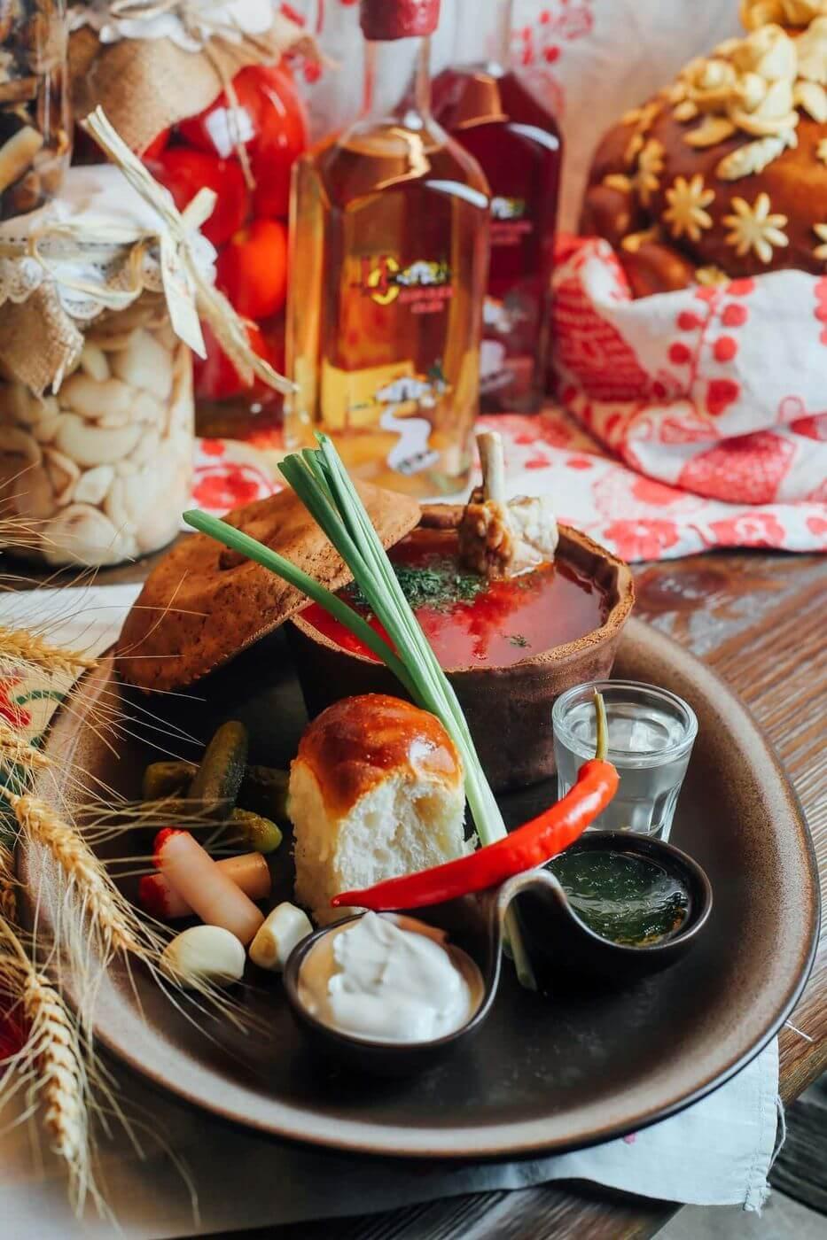 Завдяки високим смаковим якостям і різноманітності страв, українська кухня сьогодні по праву вважається однією з багатих і цікавих у всьому світі.